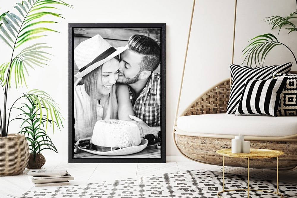 Canvasprint with floating frame